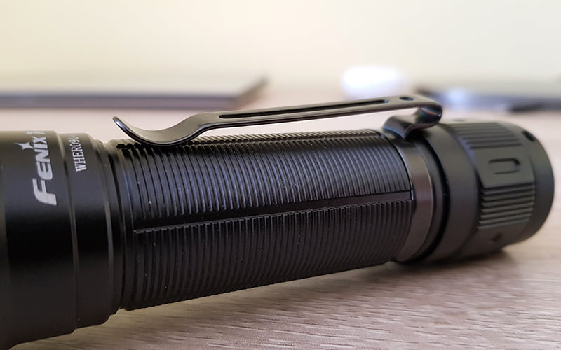 Fenix TK16 V2 - knurling pattern