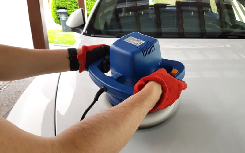 car polishing with rotary buffer
