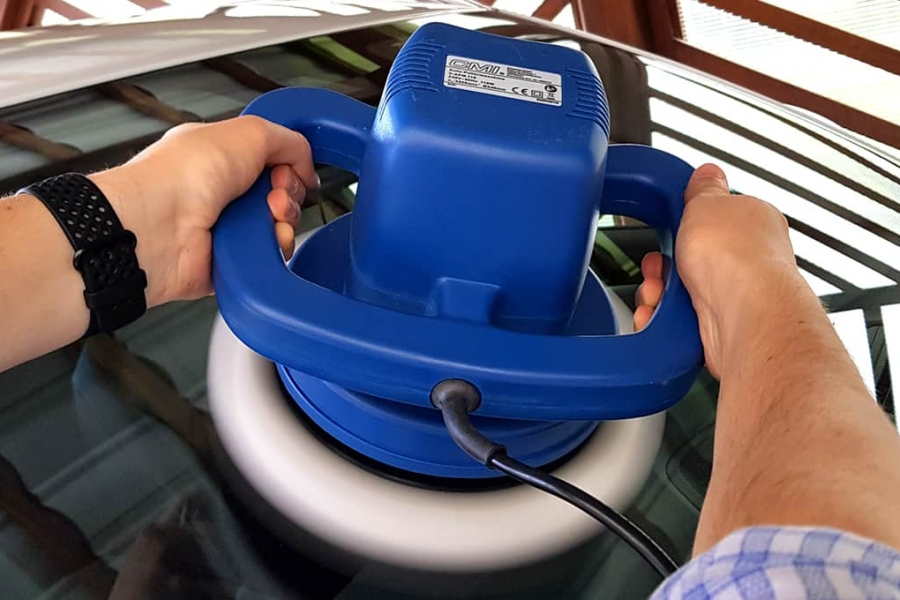 windshield polishing with a rotary polisher